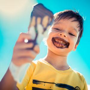 gelati-cioccolato-bambini-iStock_000058697416_Small