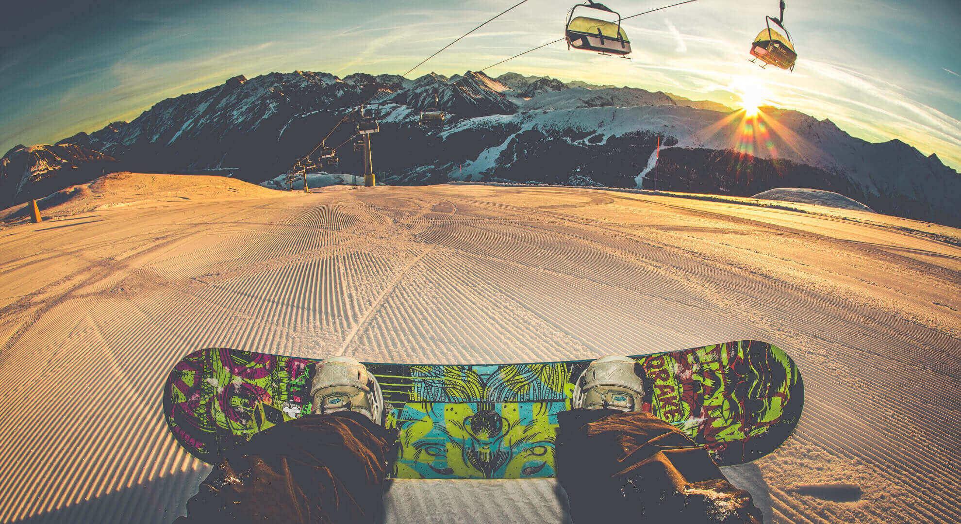 panorama ski area sitas con tramonto da pista